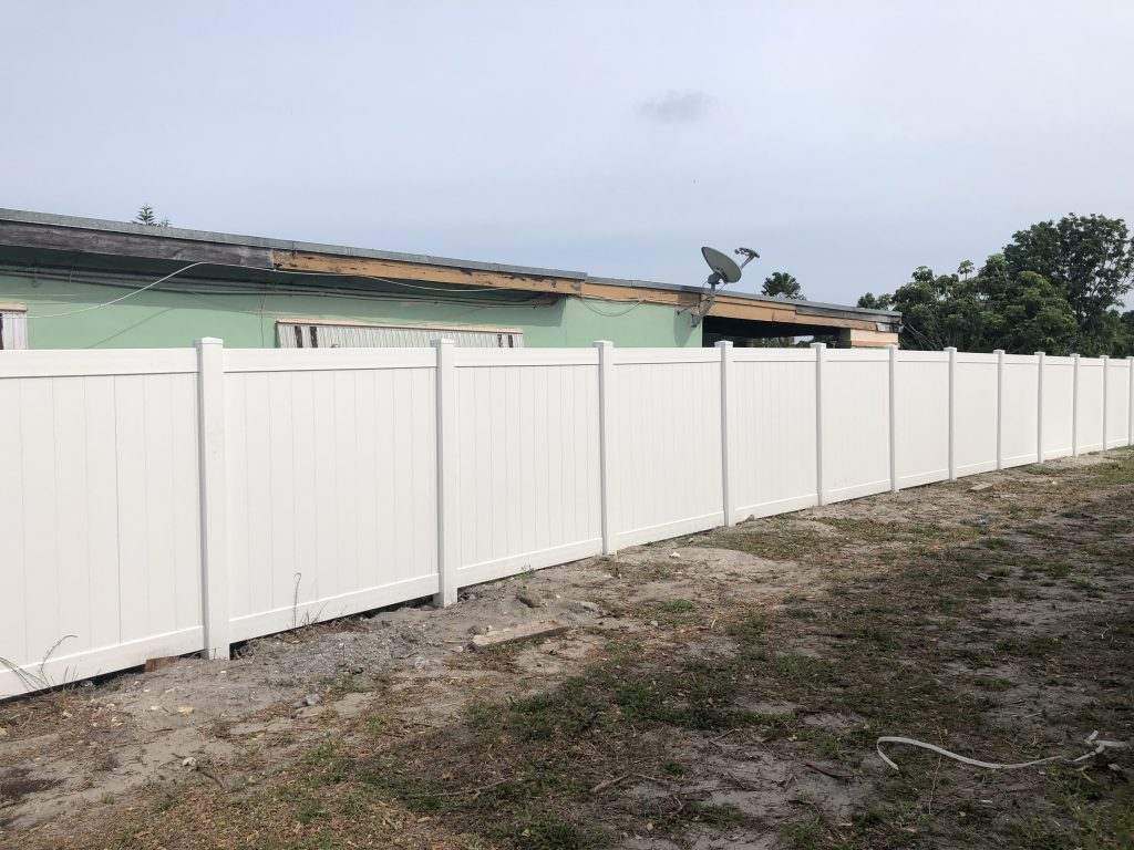 Advantages of PVC Fences in Grand Prairie, Texas